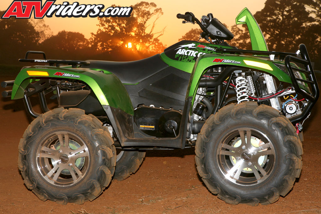 Arctic Cat 500 Atv. 2009 Arctic Cat 700 H1 EFI