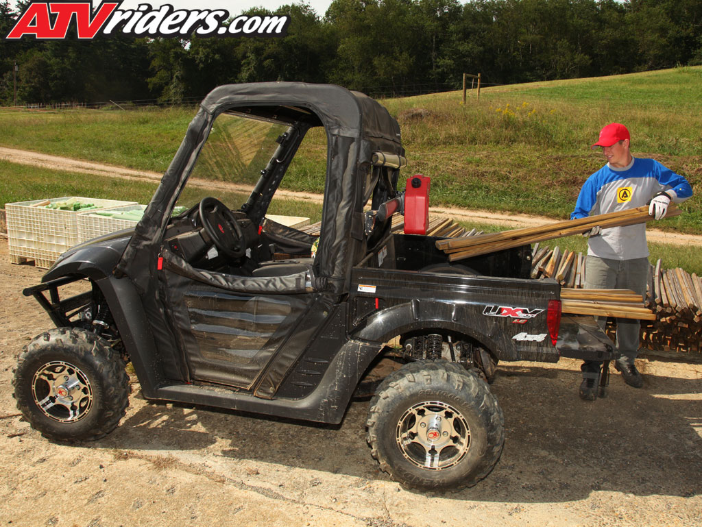 Kymco 500 UXV to be on next episode of DirtTrax TV Kymco-2010-uxv-500-le-utv-sxs-black-hauling